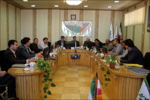 چالش آبی پارلمان شهر در حضور مسئولان ارشد