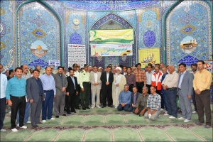 برپایی میزخدمت در نماز جمعه نجف آباد / بمناسبت هفته دولت