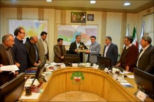 ارایه بودجه و دفترچه عوارض جدید محلی پیشنهادی سال ١٣٩٩ به شورای اسلامی شهر نجف آباد