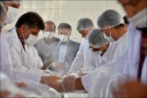 بازدید از روند طبخ و توزیع ۱۱۰ هزار پرس غذای مومنانه